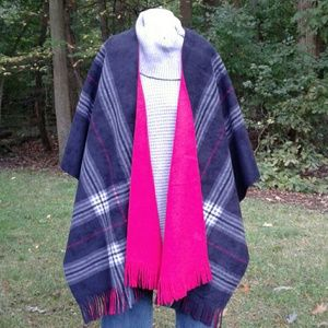 Rachel Roy Plaid/Solid Red Reversible Fleece Wrap